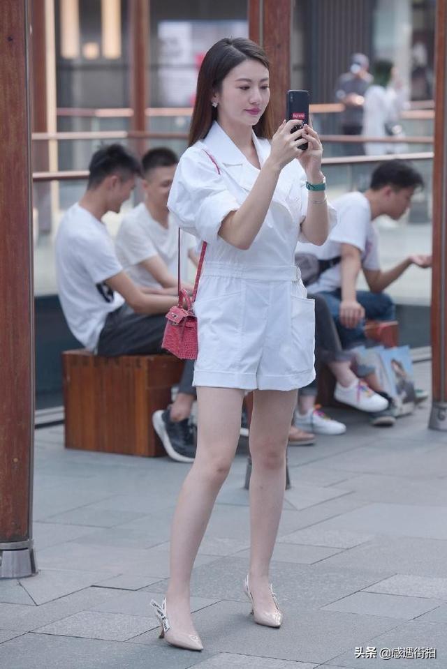街拍:純白連衣褲,清麗又減齡,愛了嗎 正妹集中營 第1张