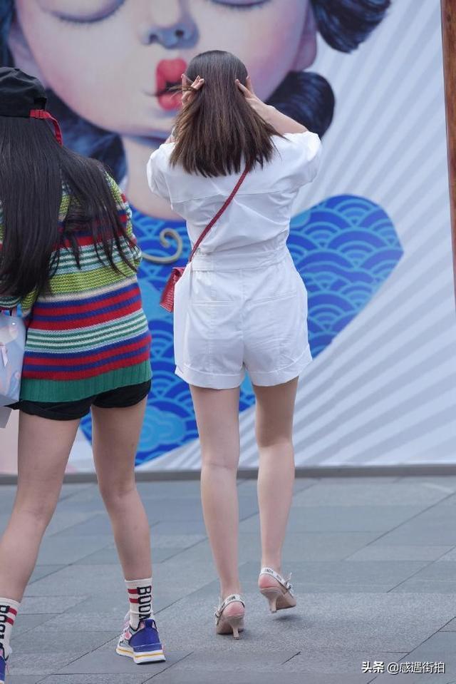 街拍:純白連衣褲,清麗又減齡,愛了嗎 正妹集中營 第6张