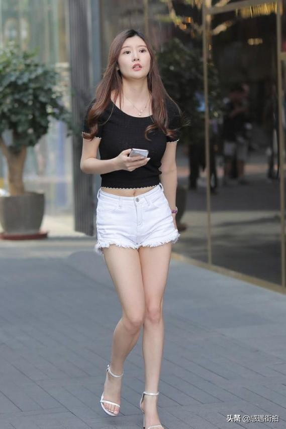 高挑美女穿著牛仔熱褲街拍,詮釋什麼叫骨感美 正妹集中營 第3张