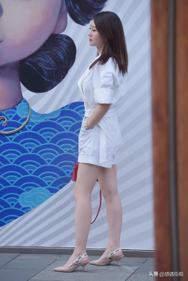 街拍:純白連衣褲,清麗又減齡,愛了嗎 正妹集中營 第5张