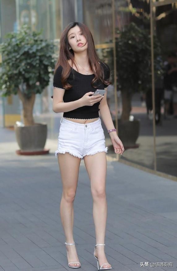 高挑美女穿著牛仔熱褲街拍,詮釋什麼叫骨感美 正妹集中營 第2张